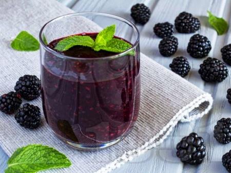 Нектар / сок / сироп от къпини в бутилки - снимка на рецептата